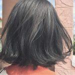オリーブアッシュでフレッシュな透明感で周囲と差がつく暗髪カラーに