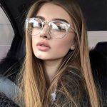 え、石けんもダメ!?大事なメガネを劣化させるNG行為3つ