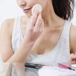 湿気と皮脂が大好物!夏の肌荒れを引き起こす「顔カビ」の正体って?