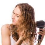 自然乾燥では髪パサパサ&抜け毛増!?知っておきたい正しい髪の乾かし方