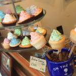 可愛すぎてため息…♡東京近郊で食べられるカップケーキ3選