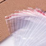 ジメジメした梅雨の時期はカビやすい!食材を湿気から守る保存方法でおいしさをキープしましょう