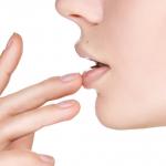 唇がカサカサの原因は紫外線による日焼けが原因かも!?お勧めのUVカットリップをご紹介