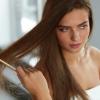 髪の毛が傷みすぎて枝毛や切れ毛が・・・美しい髪を取り戻すために原因やケア方法を伝授!