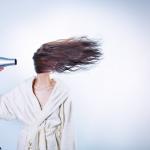 超簡単な方法で髪が艶々!時短で髪を乾かすコツをご紹介♪