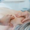 自宅で簡単にできる肩こり・腰痛を解消する整体術をご紹介♪