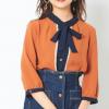 【春コーデ】春はカラフルに♪大人女子におすすめ柔らかオレンジカラートップス4選