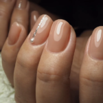 上品見え抜群♡短い爪で楽しむ春の「ベージュネイル」5選