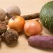 夏は野菜の傷みが気になる季節。野菜別保存方法と簡単に作れる野菜室テク♪
