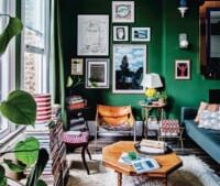 無地の壁をキャンバスに♪絵画や写真を飾って普段の生活をアートに彩る空間づくり☆